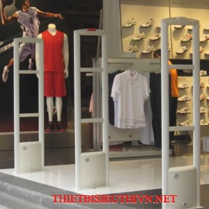 Cổng từ shop thời trang