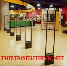 Cổng an ninh siêu thị.